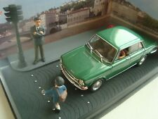 DIORAMA IXO 1/43 THE ROAD BLUE NATIONAL 7 SIMCA 1501 S STOP FIRE RED