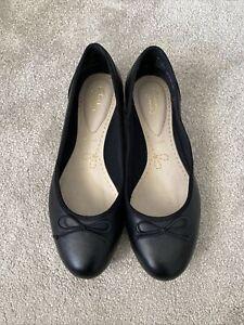 Clarks Summerset black  leather flat slip on shoes size 6.5 E