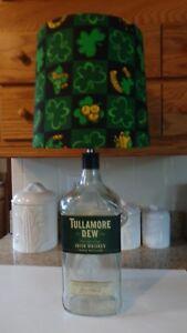 "Decorative ""Luck O' the Irish/Shamrock"" Table/Desk Lamp"