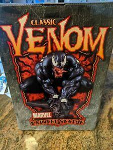 Fullsize Classic Venom Statue Bowen Designs