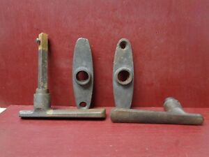 """VINTAGE RHC COMMERCIAL – GARAGE HEAVY DUTY CAST IRON HANDLES PLATES 3/8"""" SPINDLE"""