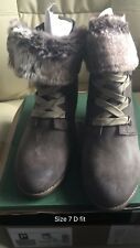 NEW Clarks Mid Wedge Heel Lace Up Fur Ankle Boots Lumiere Spin Taupe Size 7 D