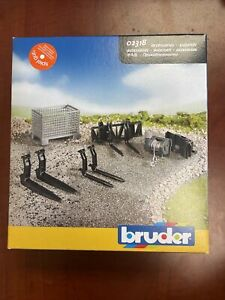 Bruder Accessories for Front Loader: Box-Type Pallet Winch and Forks / 02318