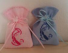 Sacchetti sacchettini confetti battesimo ricamati punto croce su aida colorata