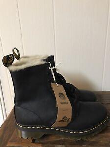 Doc Martens Womens Size 9M Boots