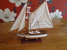 Modello yacht SU STAND IN LEGNO FATTO A MANO-spedizione Marittima Barca bello regalo