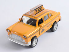 NEW YORK TAXI YELLOW CAB 1/36 DIECAST CAR MUSICIAL & LIGHTS OPENING DOOR