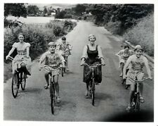 The Sound of Music - Julie Andrews and Kids on Bikes: 10x8 In. B&W Glossy Photo