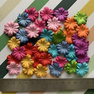 Scrapbooking Papierblumen 45 Stück Rot Rosa Weiß Blau Grün Blumen