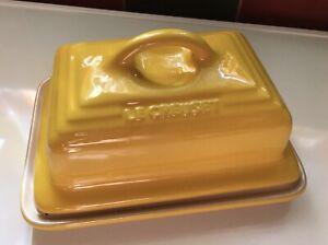 LE CREUSET Stoneware Lidded Butter Dish - Sunshine Yellow