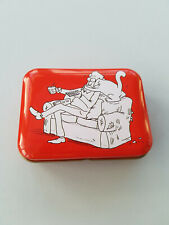 CUTE RED SIMONS CAT SOUVENIR COLLECTABLE PILL BOX TIN COUCH CUDDLES NOVELTY GIFT