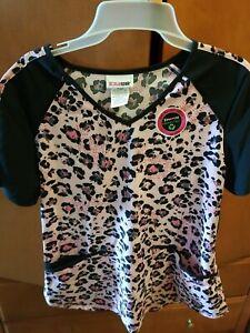 Performance Stretch Ethical fabric Scrub top In Size medium W/Pockets soft NWT $