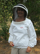 Beekeeping - protective white jacket, with removable, zipped fencing style hood
