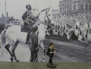 German Figure-Black Uniform+Armband-March w/Rifle-Lineol-Elastolin-Hausser