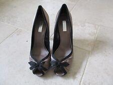 Smart ZARA Basic Ladies Taupe & Black Satin Peep Toe Shoes size 7 UK - 40 EU