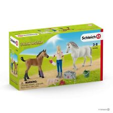 Schleich Farm World Vet Visiting Mare and Foal 42486