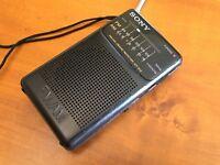 Vintage Transistor IC Pocket Receiver FM AM Radio Sony ICF-S14 , IC CXA1019S