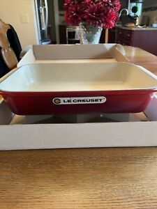le creuset rectangular baking dish. NOS Cherry red