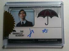 Umbrella Academy autograph & costume relic AIDAN GALLAGHER #5 6 Case incentive