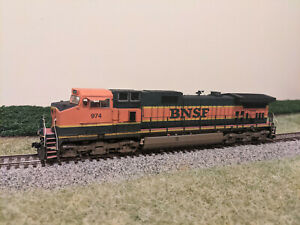 Scaletrains Operator BNSF Dash 9-44CW #974 with DCC/Sound - Detailed/Weathered