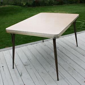 Vintage Formica Kitchen Dinner Table Dinette Retro Atomic Age Wood Grain Diner