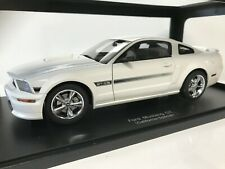 1/18 Autoart Performance 2007 Ford Mustang GT California Ltd Edition White 73111