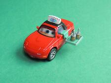 Tia serveuse voiture rouge Cars Lanticular Disney Pixar Mattel metal diecast