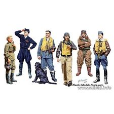 MASTER BOX WWII FAMOUS PILOTS (6) PLASTIC MODEL MILITARY FIGURE 1/32 SCALE #3201