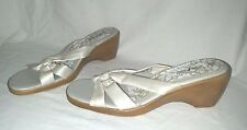 Nice WHITE STAG Bonnie Size 11M  Wedge Slides Grayish Pearl