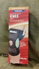 Mueller Adjustable Hinged Knee Brace Maximum Support Level S/M