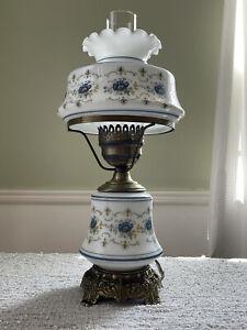 """Vintage 1973 Quoizel Inc. Abigail Adams 3-Way 18"""" Floral Hurricane Parlor Lamp"""
