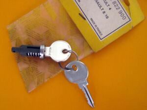 Renault 4, 8, door lock cylinder. 0852822900. NOS.