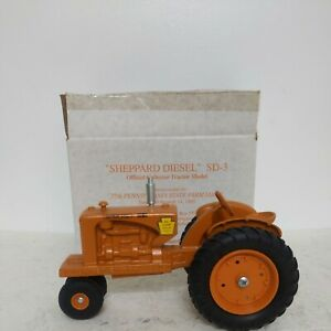 1/16 1993 PA Farm Show Sheppard Diesel SD-3 Tractor with box Limited Edition 568