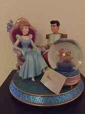 Cinderella And Prince Charming Musical Box With Snowglobe
