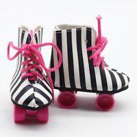 Puppen Schuhe Rollschuhe schwarz weiß Sportschuhe Skates 8 cm lang, Nr. 266d