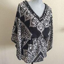 WHITE HOUSE BLACK MARKET Small S Black White 100% Silk Kimono Flowy Top Shirt