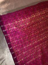 """1M Rojo//Plata Color Paisley Brocade//Jacquard de tela metálica en 58/"""" de ancho"""