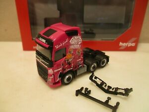 HERPA--- 3a  ZM -  GLOMB  Think Pink ----  VOLVO FH XL 2013  (SK71)