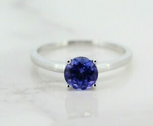 18ct White Gold 1.00ct Tanzanite Solitaire Ring (Size O 1/2, US 7 1/4)