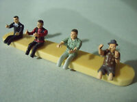 4  FIGURINES 1/43  SET 6  CONDUCTEURS  AUTOMOBILES   CAR  DRIVERS   VROOM