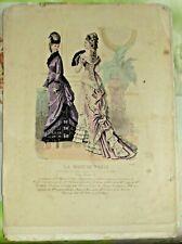 Gravure Ancienne Mode de Paris N°49 éventail et Robes longue tombante taffetas