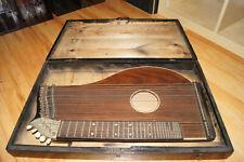 Antiquität - Alte Zither - um 1900 - Saitenzupfinstrument - Mit Koffer und Noten