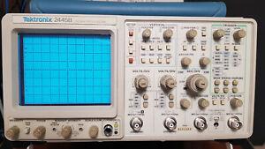 Oscilloscopio Tektronix 2445B