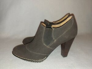 Women Sofft Brown Suede Leather Bootie Heel Shoe 1522425 Size 6.5 M