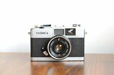 YASHICA 35-ME  Compact 35mm film Camera,  Made in Japan    * Good Condition *