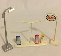 LEGO System Spares Set 810-4 Town Plan Vintage 1960s Esso Sign Gas Pump LampPost