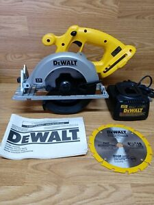 """New Dewalt DC390B 18V 6-1/2"""" Circular Saw w/Blade & Batt Charger. NO Battery"""