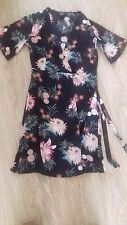 BNWT SIZE 6 FLORAL SHORT SLEEVE V NECK FLORAL WRAP OVER DRESS