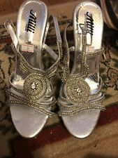MILLI PAKISTANI White Bridal Rhinestone Jeweled Stiletto Heels Shoes Sz 9