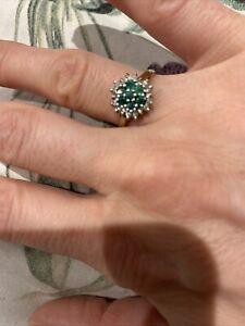Vintage 9ct Gold Emerald & Diamond Ring